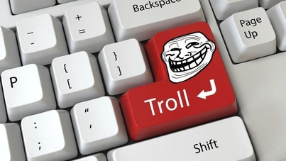 Keyboard with Troll return key