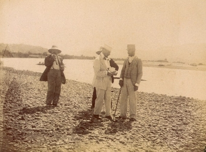 D'Annunzio and friends taking photo on beach during voyage on the Fantasia
