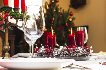 How to Properly Set Your Dinner Table for a Holiday Party