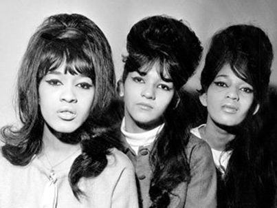 Photo of the Ronettes (1964)