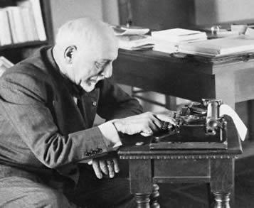 Pirandello Writing